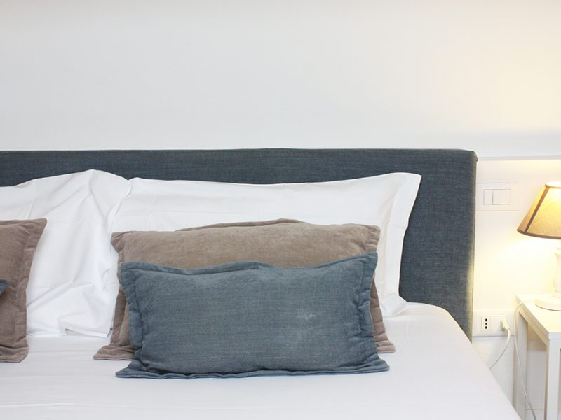 residenza amblingh dettaglio cuscini letto