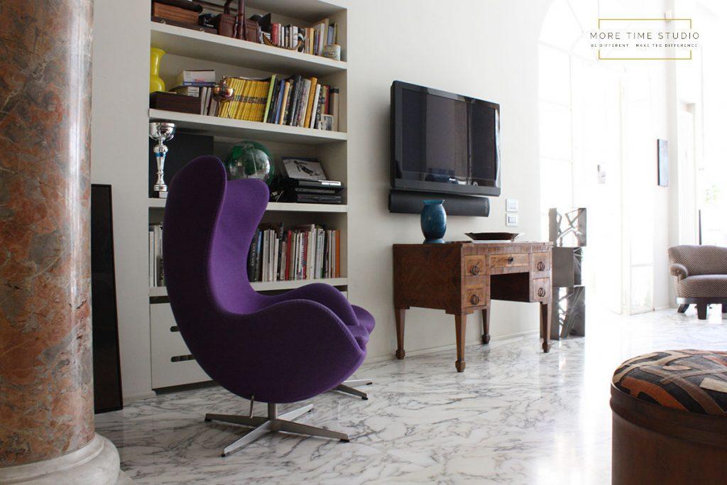 more time studio fotografia d'interni soggiorno sedia viola